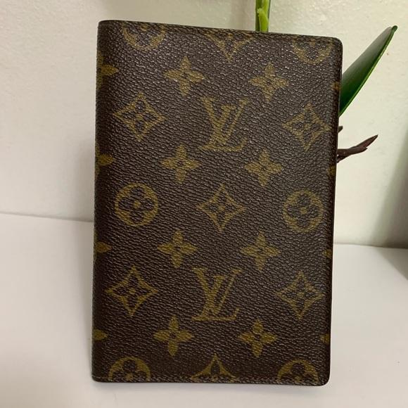 Louis Vuitton Handbags - Louis Vuitton passport holder/case